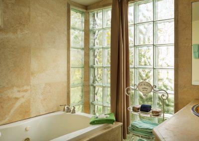 mesa-verde-suite-bath