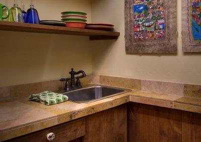 mesa-verde-suite-wetbar