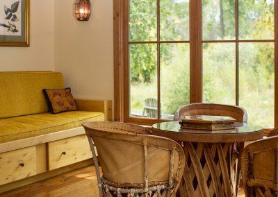 riverhouse-sitting-room