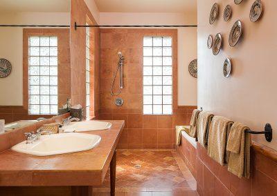 sunset-casita-bathroom