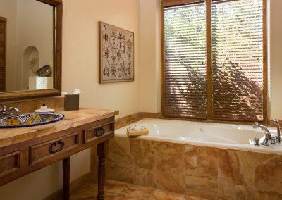 cedar-casita-bathroom-one